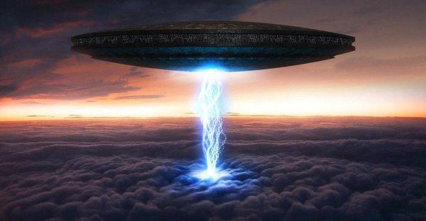 В Пекине астральное явление в ночном небе вызвало появление НЛО