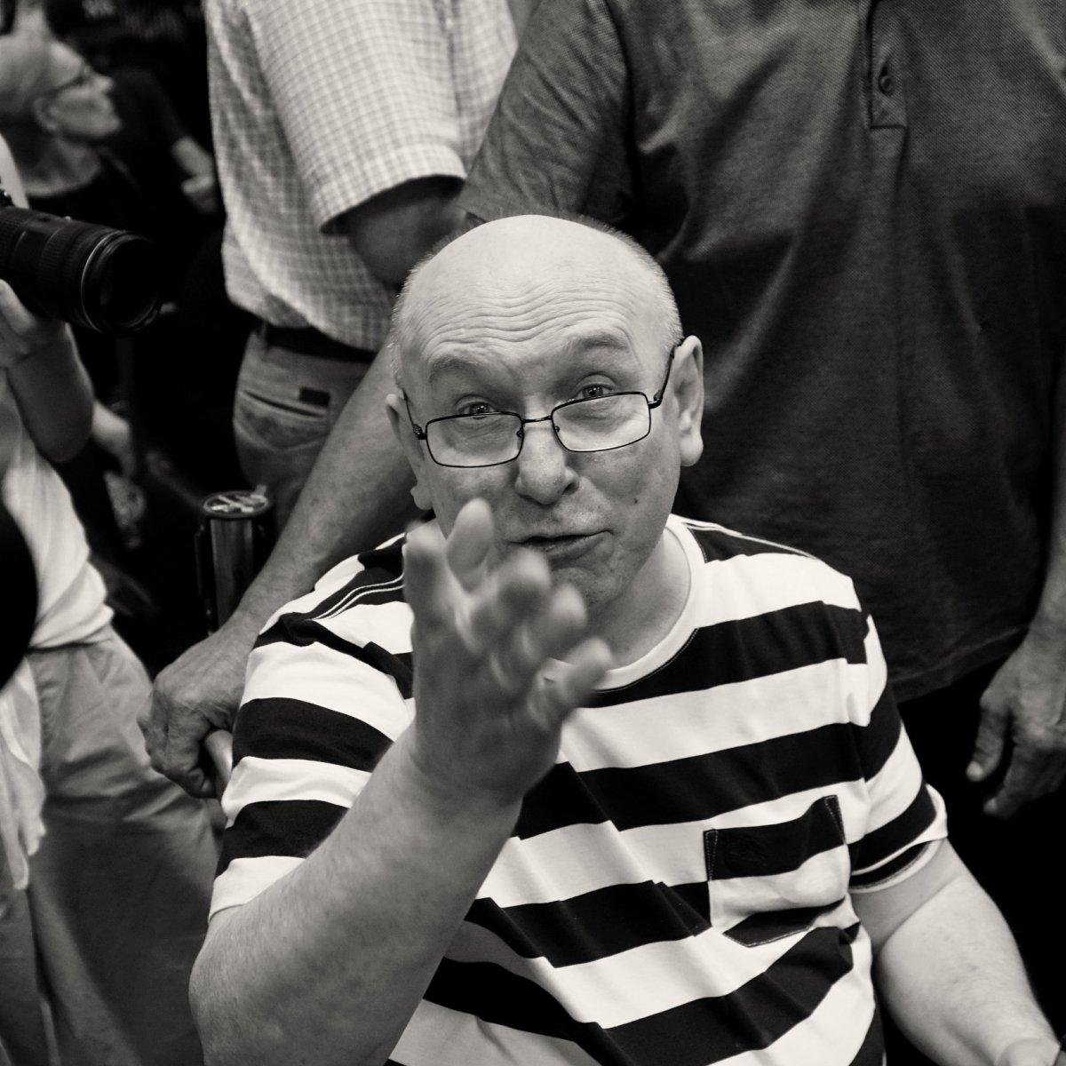 Скончался управляющий «Машины времени» Владимир Сапунов