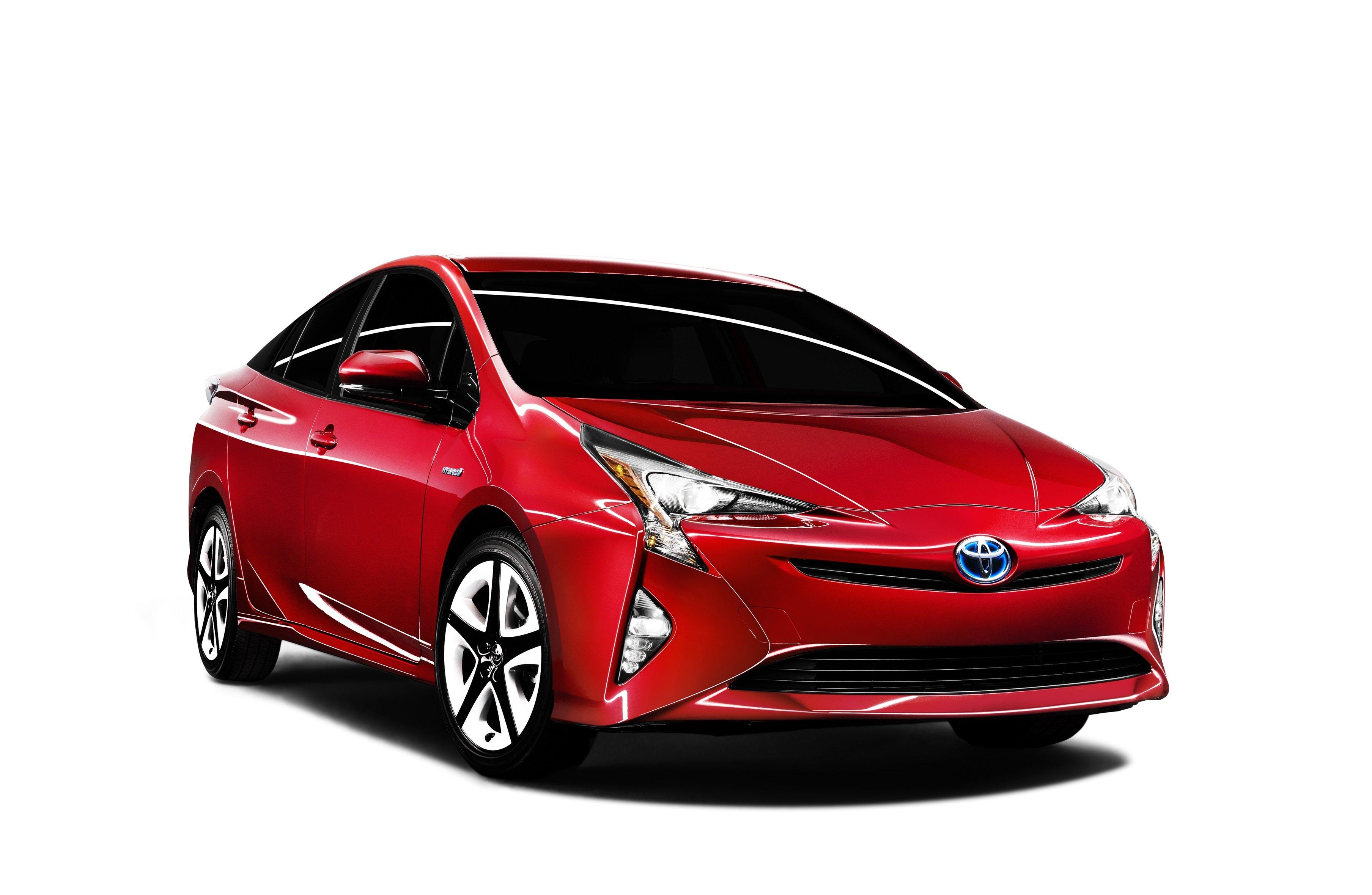 Тойота представит вСША улучшенный Prius итри варианта Camry