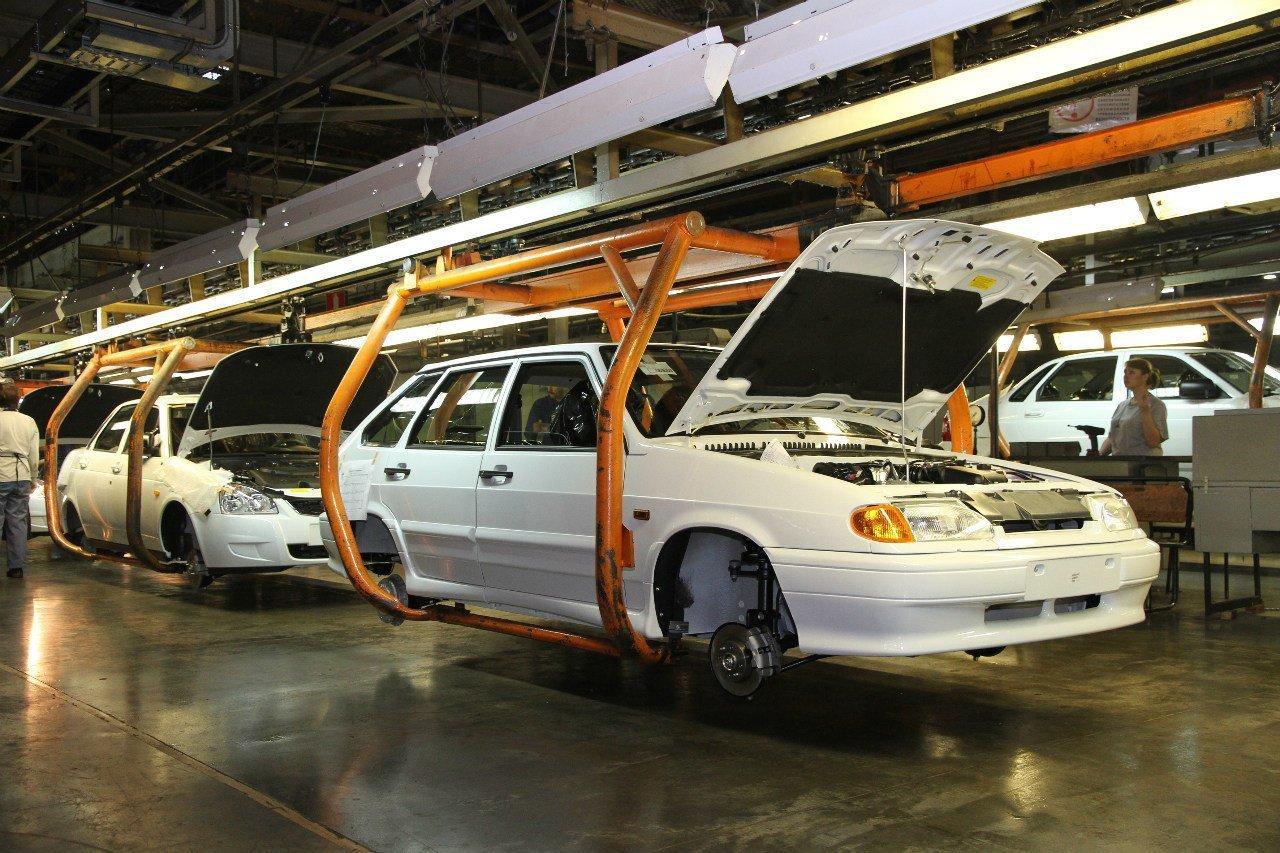 После корпоративных отпусков волжский автомобильный завод иGM-АВТОВАЗ запустили конвейеры