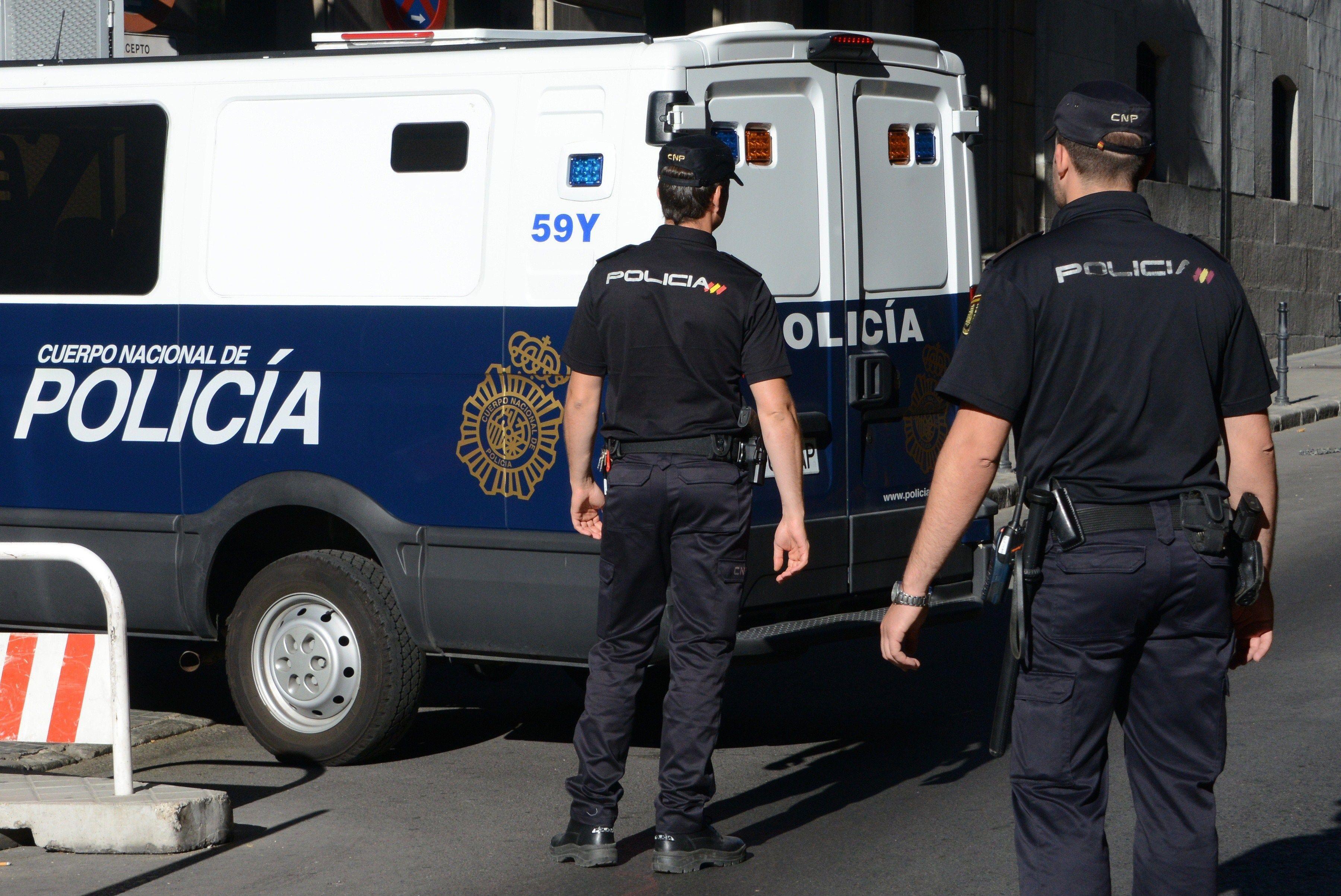 Мужчина насиловал дочь иееподруг, чтобы «изгнать злобных духов»— Ужасы Испании