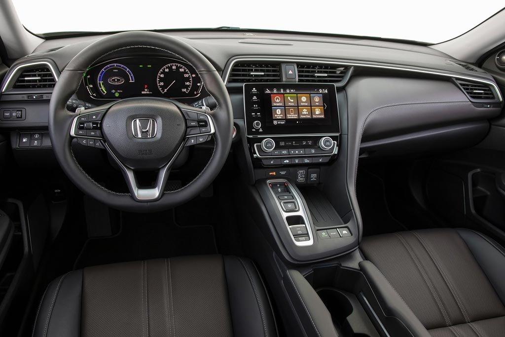 Новый гибридный седан Honda Insight отправился наконвейер