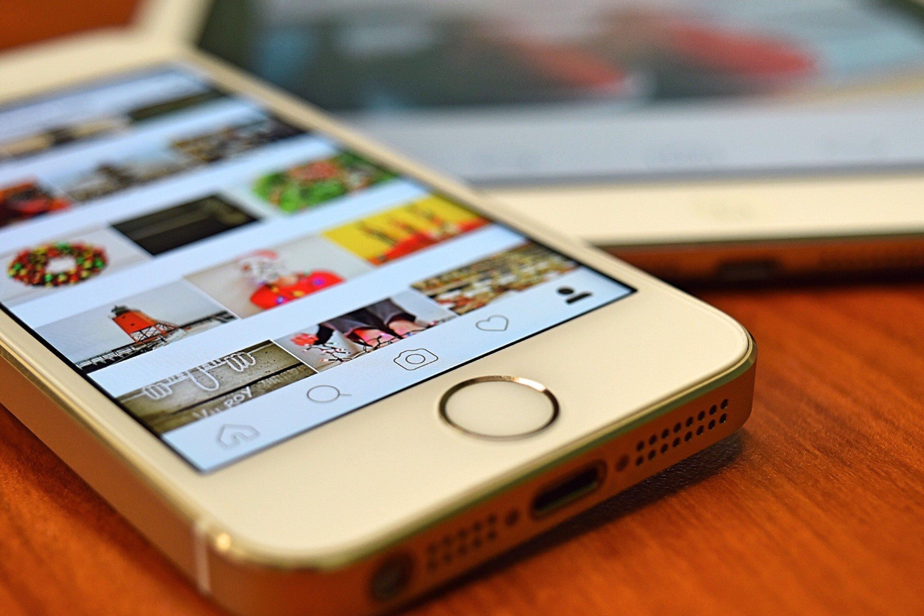 В социальная сеть Instagram запустили функцию репостов