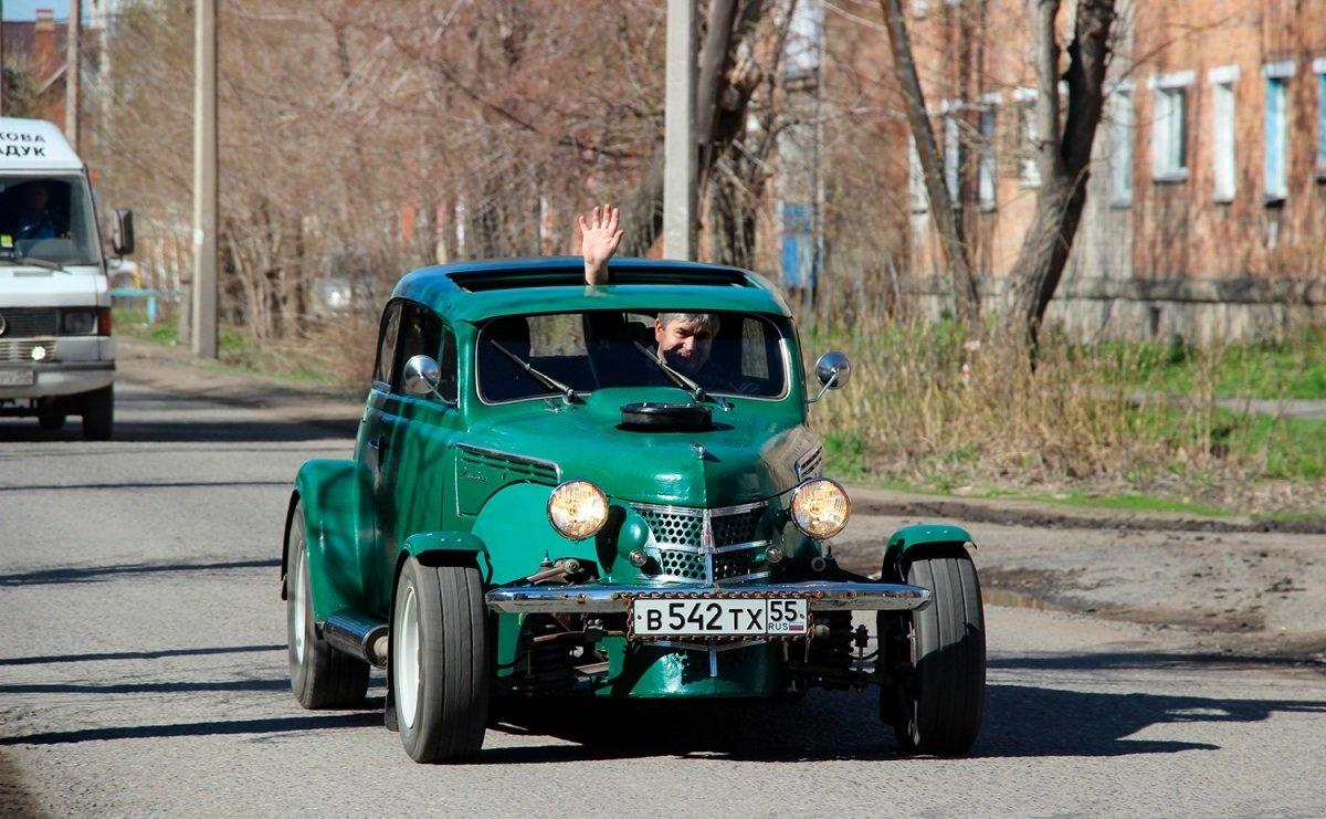 Гражданин Омска сделал «Москвич» гоночным авто стоимостью 1 млн руб.