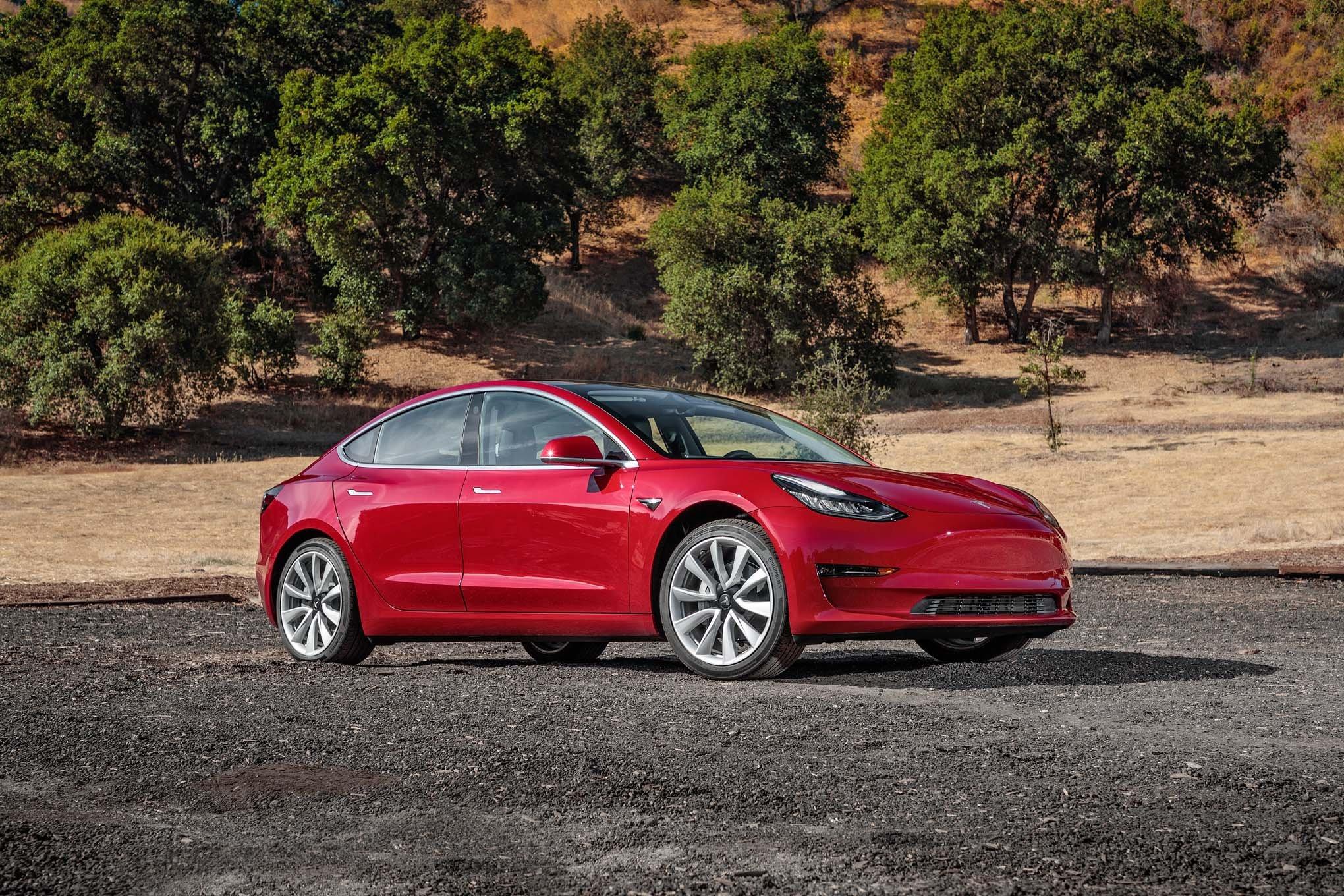 Илон Маск поведал ополноприводных Tesla Model 3 с 2-мя моторами