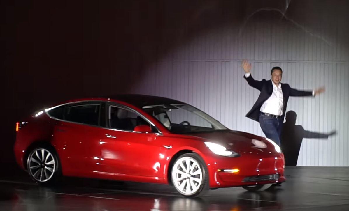 Выпуск бюджетных электрокаров Model 3 может погубить Tesla— И. Маск