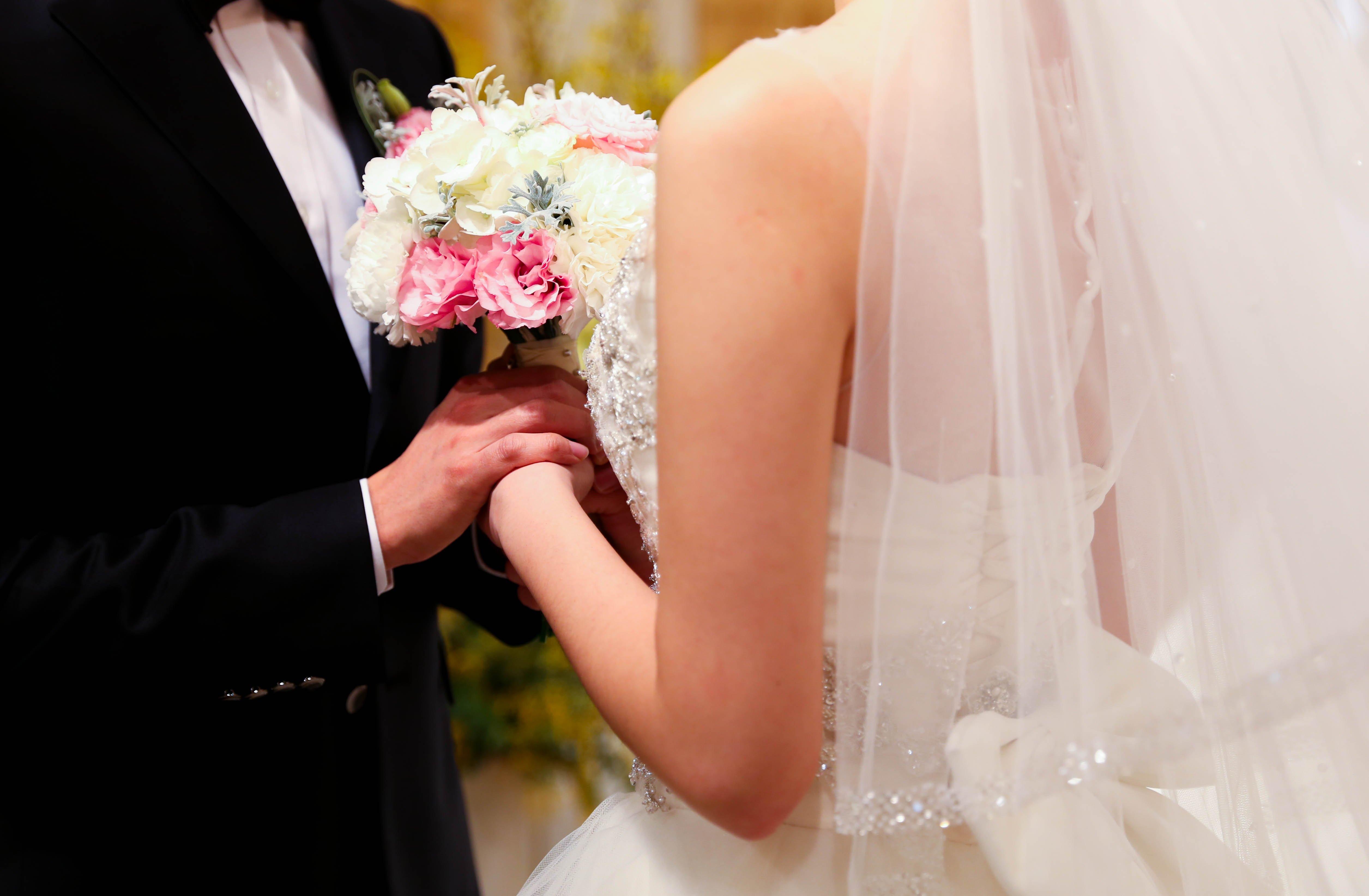 ВВиверо новобрачные подчеркнули шикарную свадьбу инеоплатили счет