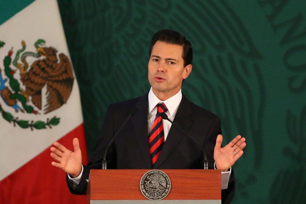 Президент Мексики пообещал, что страна небудет платить застену награнице
