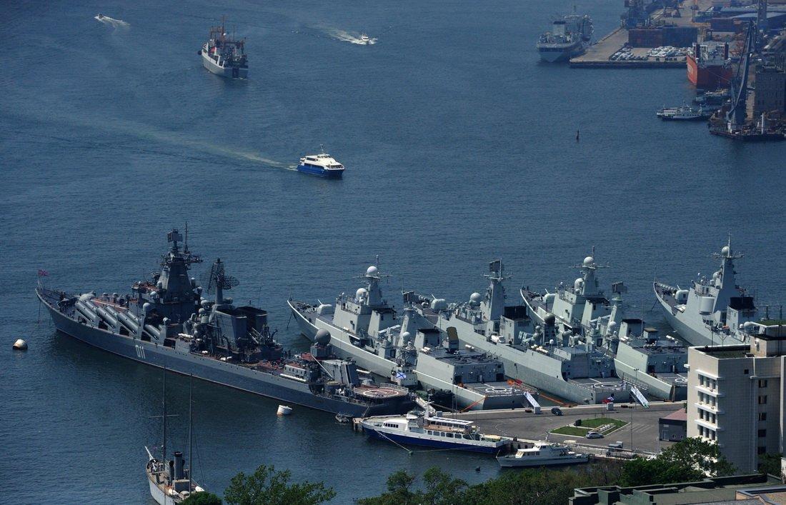 Флотилию изроботов представили вКитайской народной республике