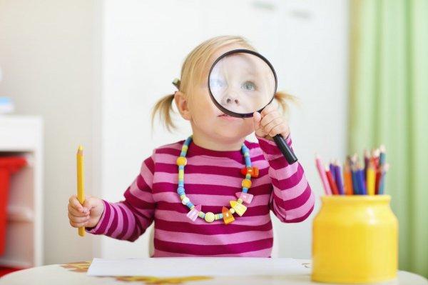 Психологи: У любопытных детей из бедных семей лучше успеваемость в школе
