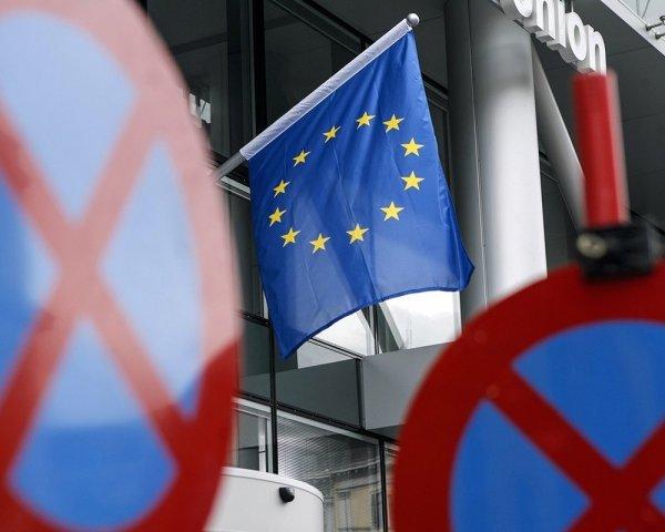 ЕС применит новые санкции против России из-за выборов в Крыму