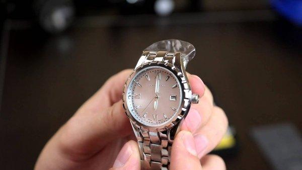 Xiaomi представила классические часы за 4000 рублей