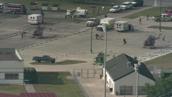 Стрельба в школе Техаса привела к гибели десяти человек