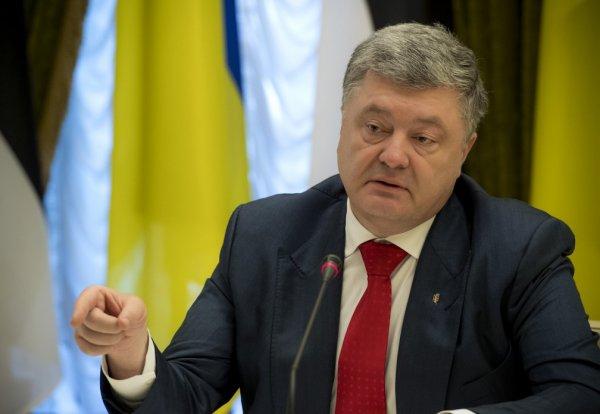 Порошенко: Украина сделает все, дабы действия России по малазийскому Boeing оценили в суде