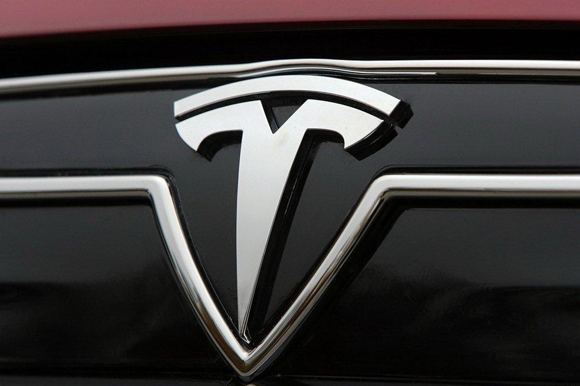 Маск продемонстрировал тизер нового кроссовера Tesla Model Y