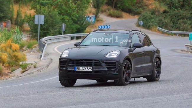 Обновленный Porsche Macan показался без камуфляжа