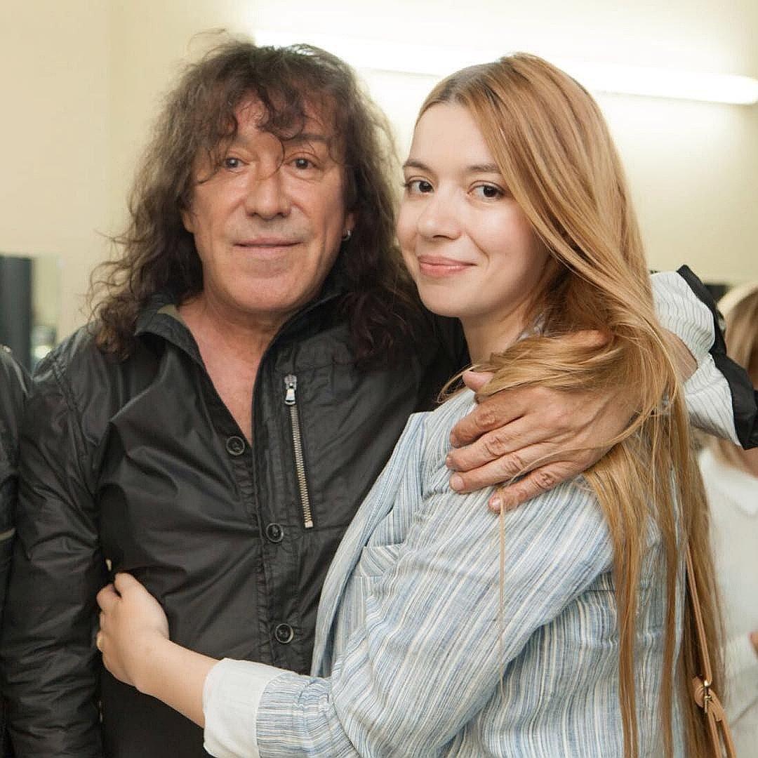 Vladimir Kuzmin divorces his wife 01/12/2012 82
