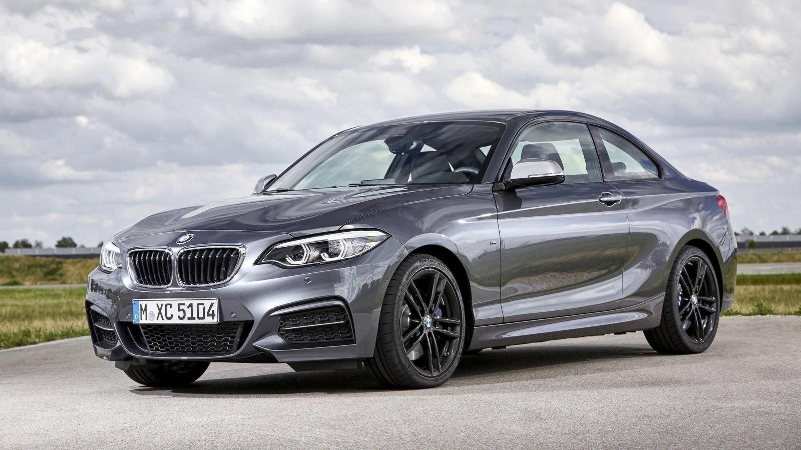 Всети «слили» снимки серийного купе BMW 8-Series