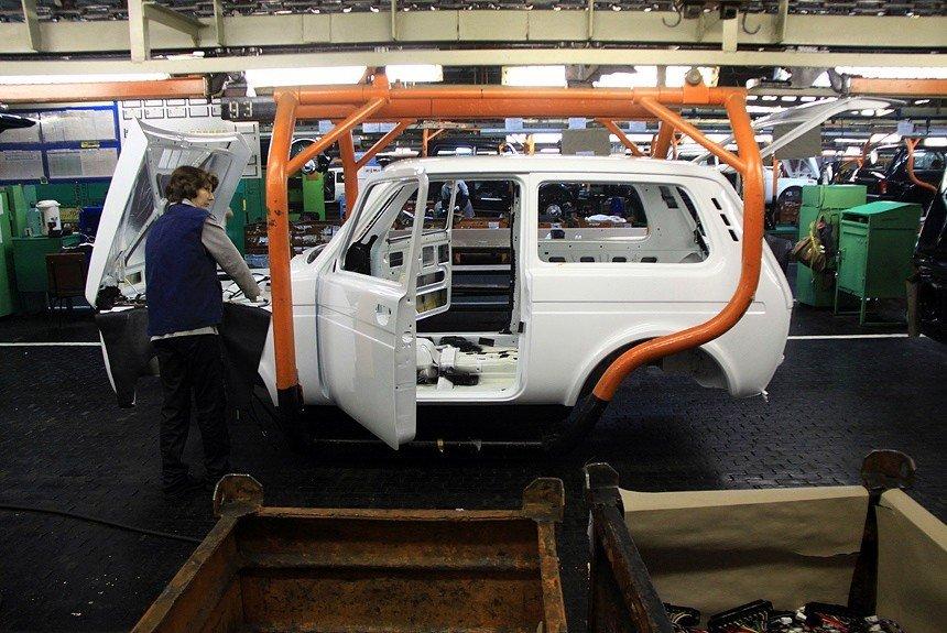 «АвтоВАЗ» натри недели остановит сборку Лада вТольятти иИжевске