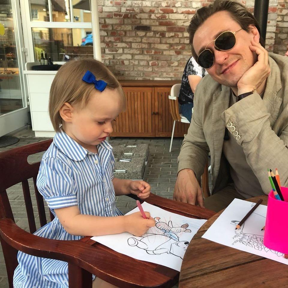Картинки по запросу безруков с дочкой