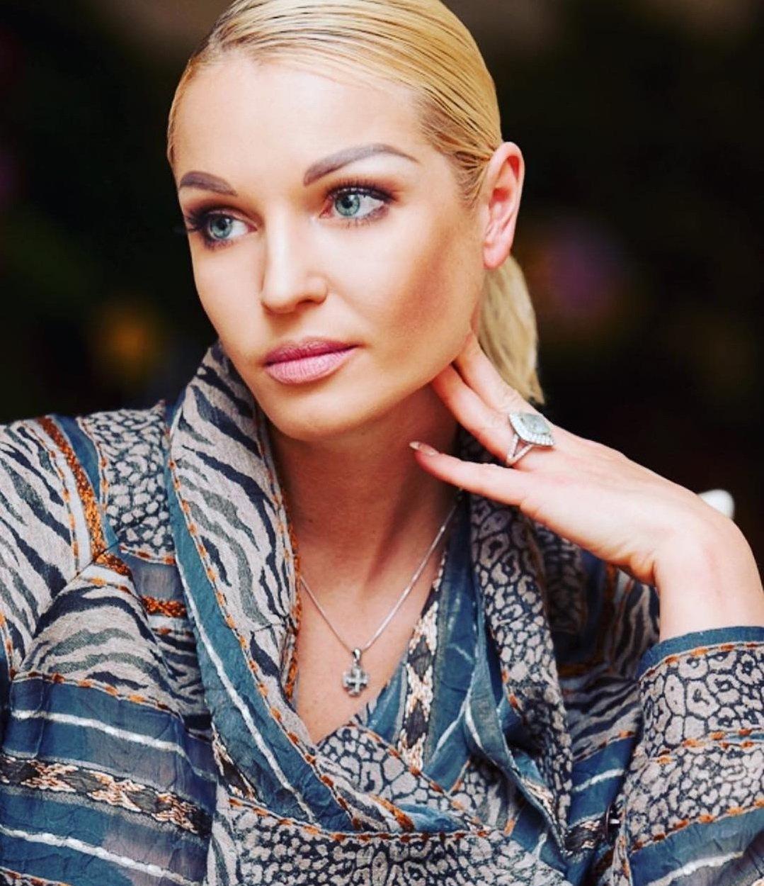 Анастасия Волочкова назвала причину расставания свозлюбленным