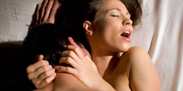 ofise-seksualno-ozabochennie-krasavitsi-konchil-vaginu