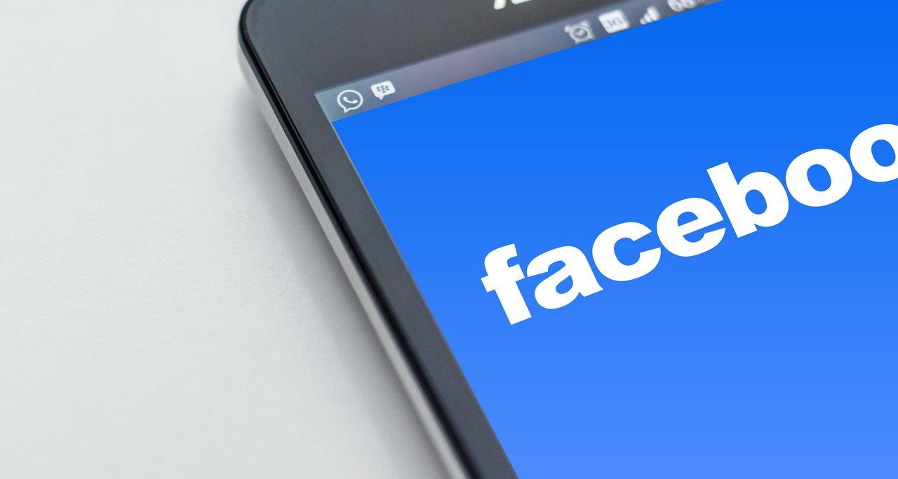Фейсбук приобрел стартап для борьбы сфейковыми новостями