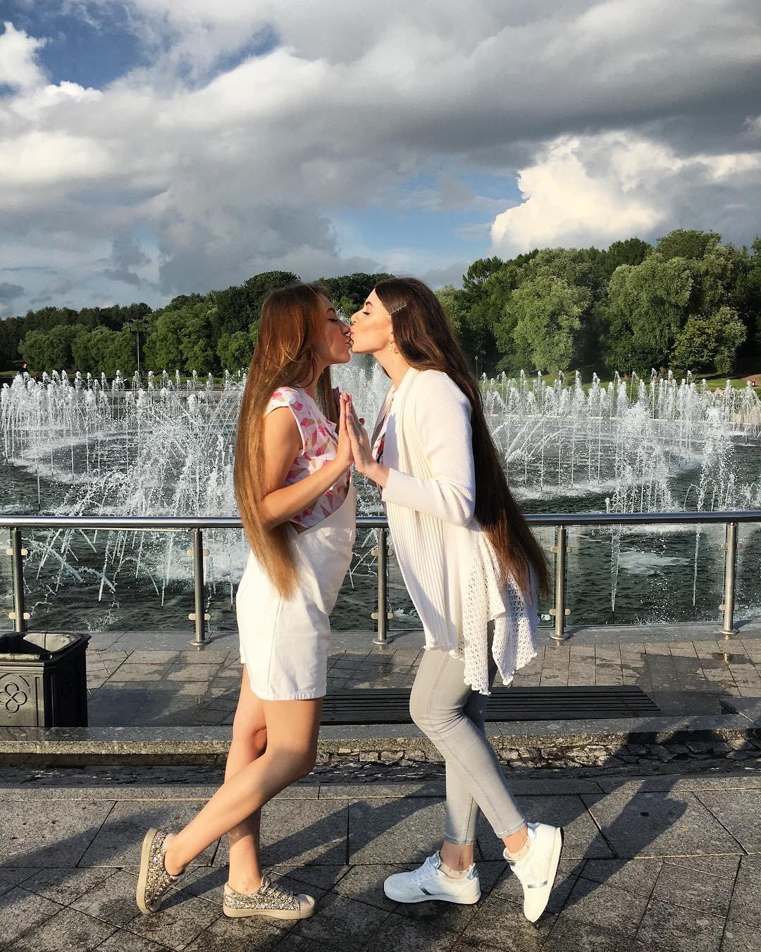 Малинки девочки лесбиянки