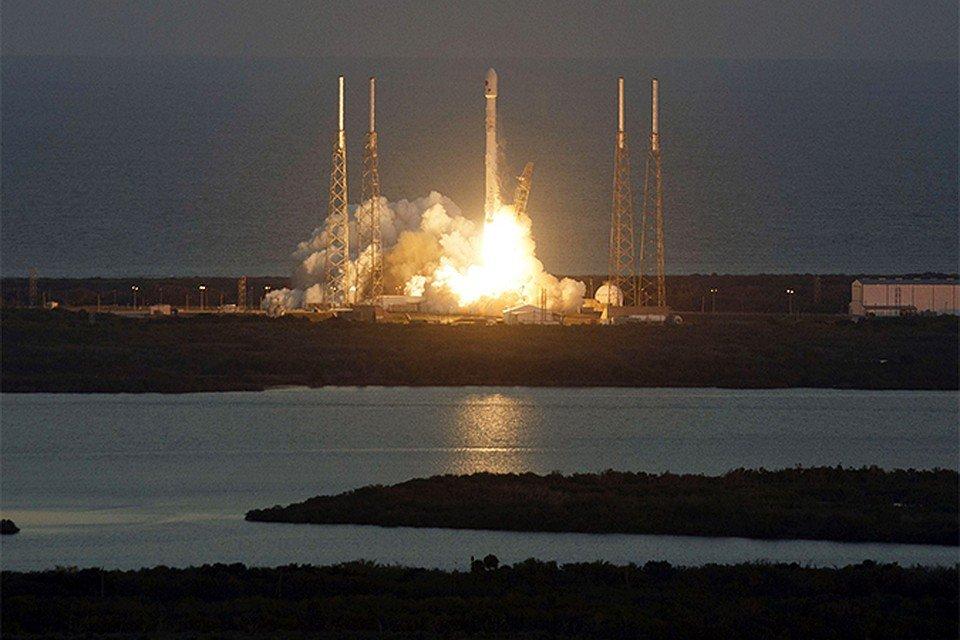 ВСША взорвали две стартовые площадки для запуска  ракет намысе Канаверал