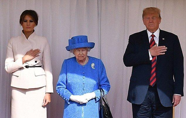Королева троллила Трампа своими брошками— юзеры «Твиттера» оценили хитрость Елизаветы