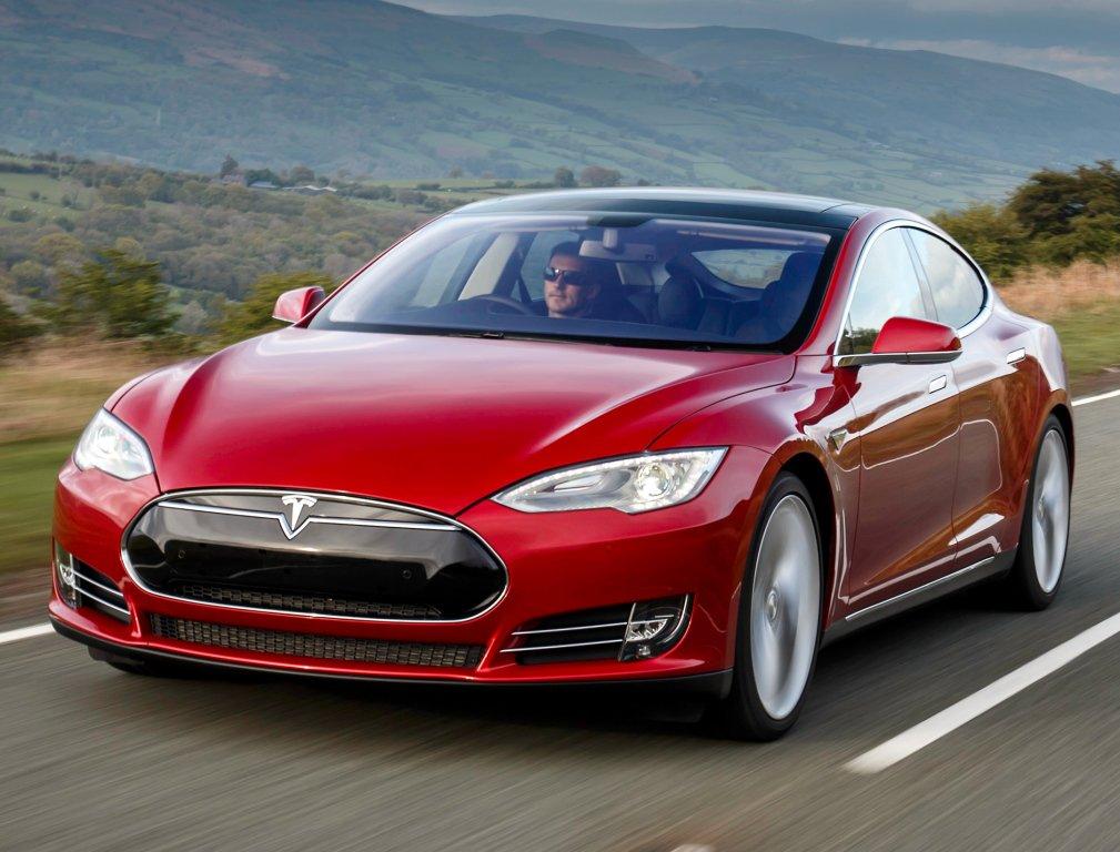 Власти Германии потребовали у собственников Tesla Model Sвернуть субсидии