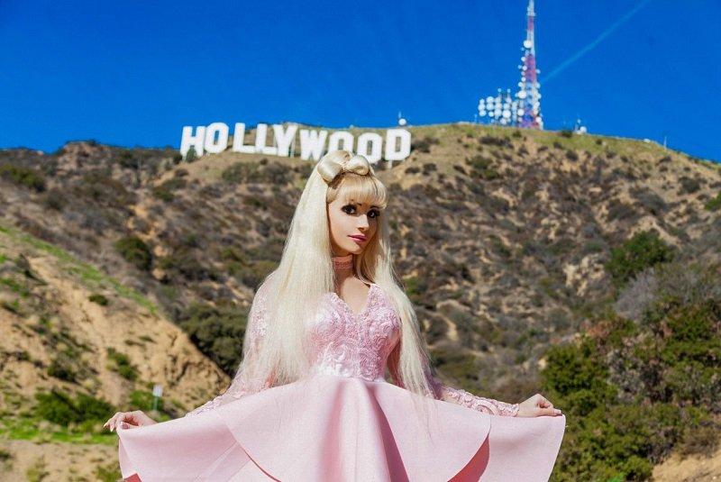 Америка стала местом съемок клипа-загадки певицы и Русской Барби Тани Тузовой по мотивам песни Зависима