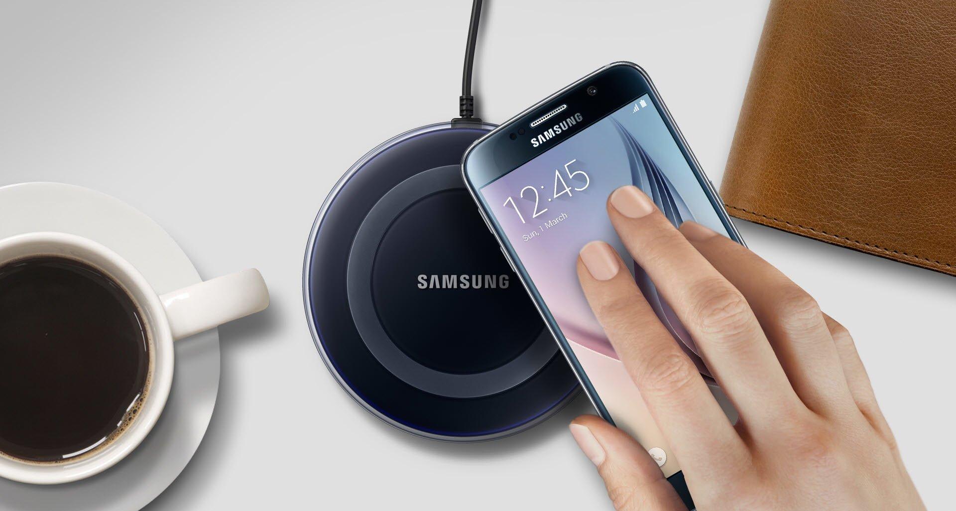 Новая беспроводная зарядка Самсунг может заряжать сразу два телефона