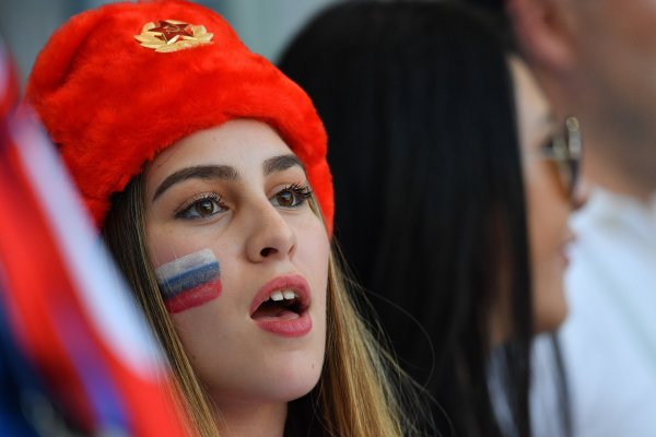 «Идут к богатым самцам»: Джигурда оправдал россиянок за секс с болельщиками