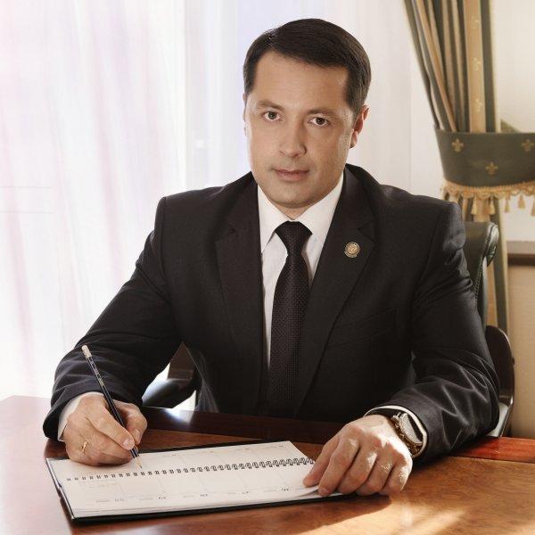 Медведев уволил главу Росприроднадзора Артема Сидорова