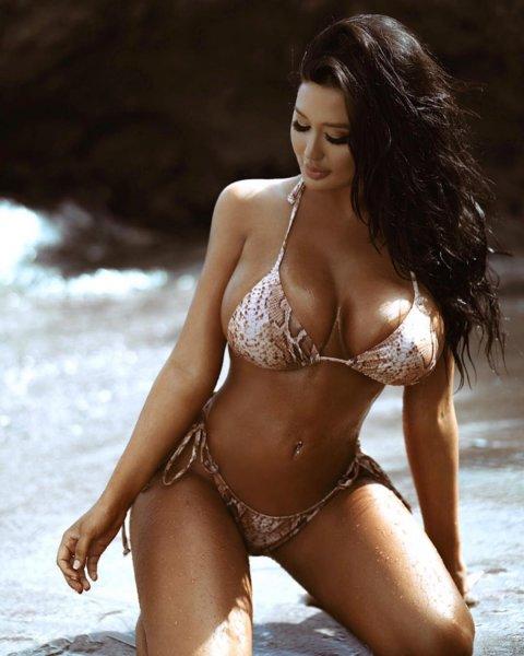 Модель Playboy с необъятной грудью рассказала, как она сохраняет идеальную фигуру
