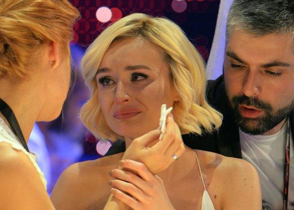 Концерт под угрозой: Расстроенная Полина Гагарина просит «Аэрофлот» о помощи