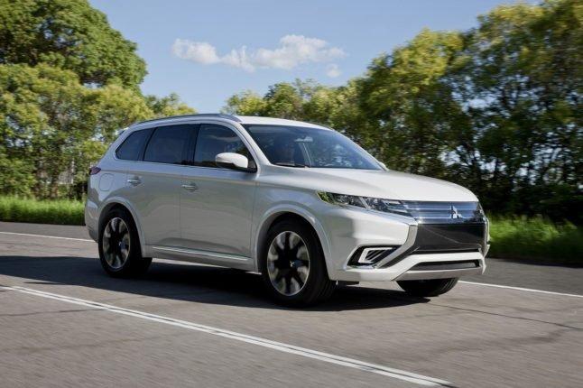 Обновленный Mitsubishi Outlander доберется до России осенью