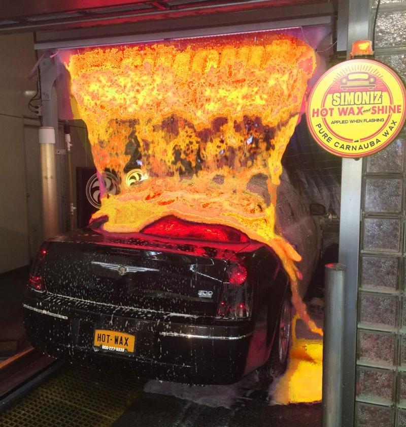 Житель америки наавтомойке помыл свою машину «раскаленной лавой»