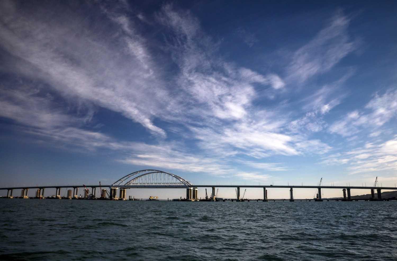 Картинки по запросу Зафиксирован рекордный трафик на Крымском мосту
