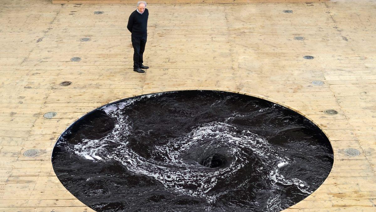 Навыставке Аниша Капура вПортугалии гость провалился в«черную дыру»