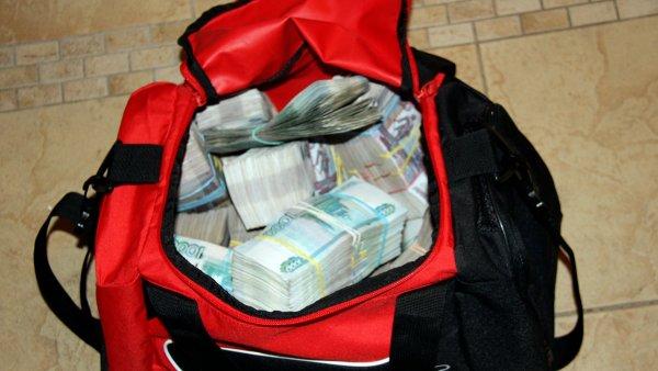 В центре Москвы у мужчины украли сумку с 5 млн рублей