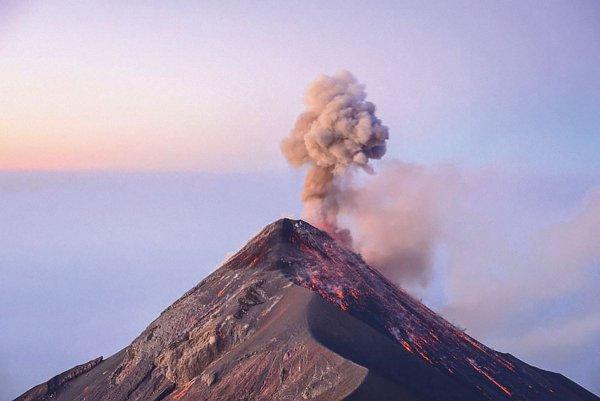 NASA: Установлена дата образования первых вулканов