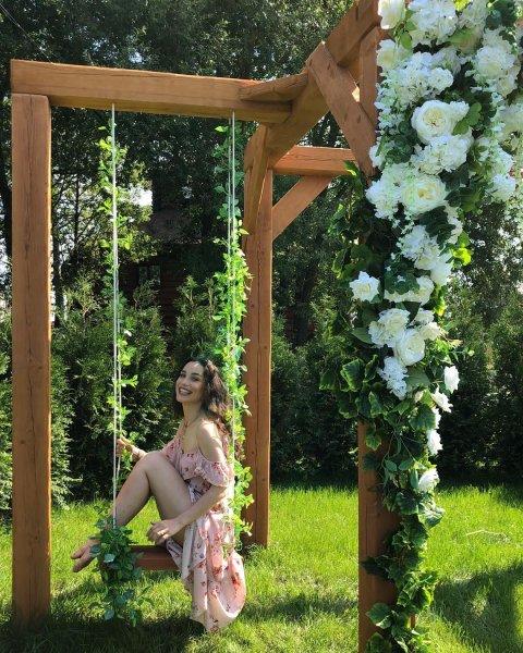 Виктория Дайнеко пошла на мировую с экс-мужем ради дочери