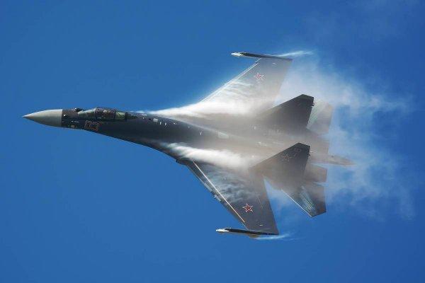 Эксперты сравнили американские истребители с российским Су-35