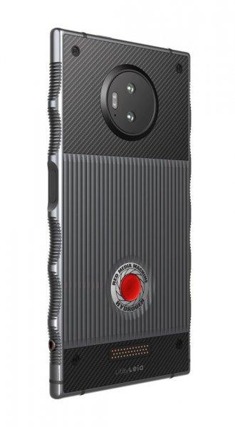 Революционный Red Hydrogen с голографическим дисплеем появится в продаже в ноябре