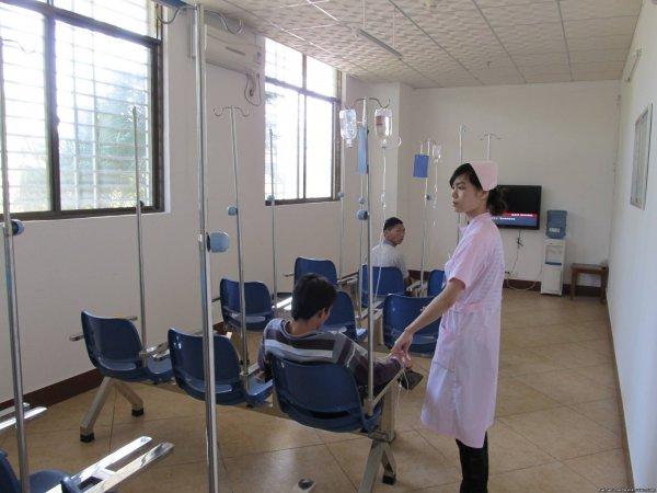 В Китае мужчина чуть не умер из-за любви к девушке