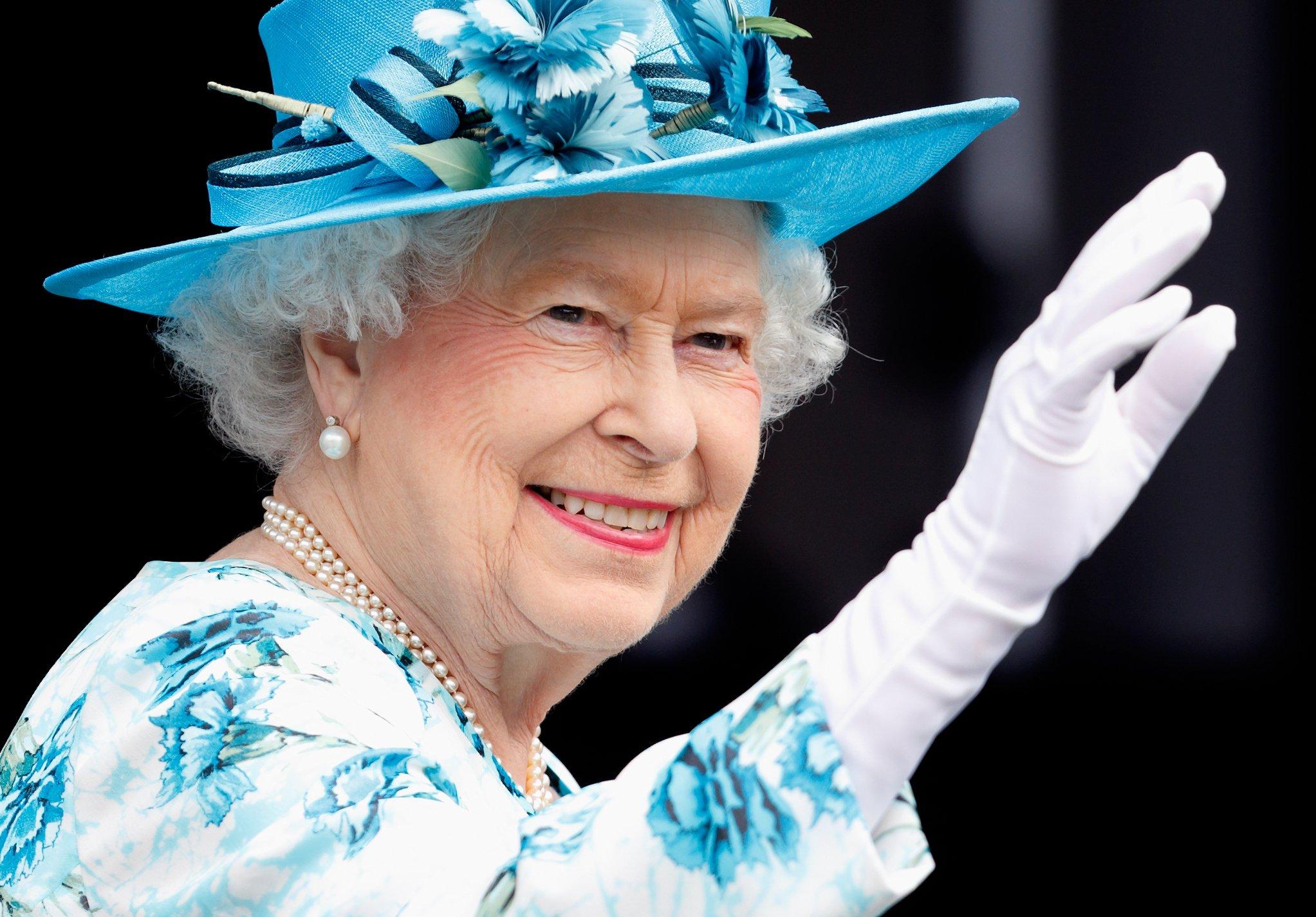 Елизавета II объявила, как будет спасать Букингемский дворец от разрушения картинки