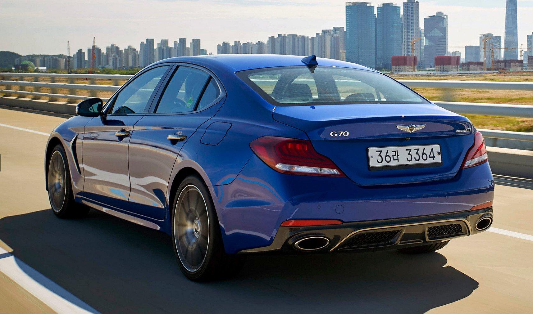 Genesis всамом начале  года воплотил  на российском рынке  неменее  тысяча  авто