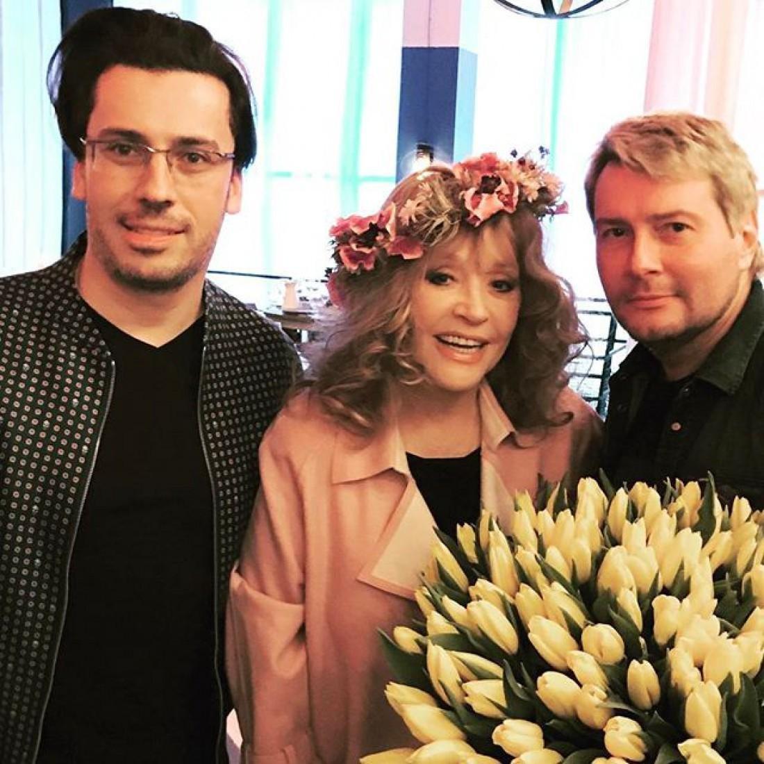 Появились слухи обеременности Пугачевой от знаменитого певца— Она пустое место